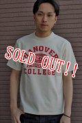 [再入荷!!]「JELADO」 College Tee ジェラード カレッジプリント 半袖Tシャツ [オールドバニラ]