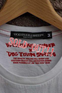 """画像4: 「WOLVES KILL SHEEP」×「DOG TOWN」 """"SKULL N BONES"""" ウルヴスキルシープ プリント半袖Tee [ホワイト]"""